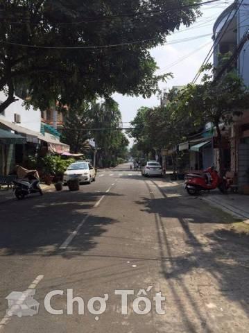 nhà nguyên căn MT Lê Niệm gần Văn Cao