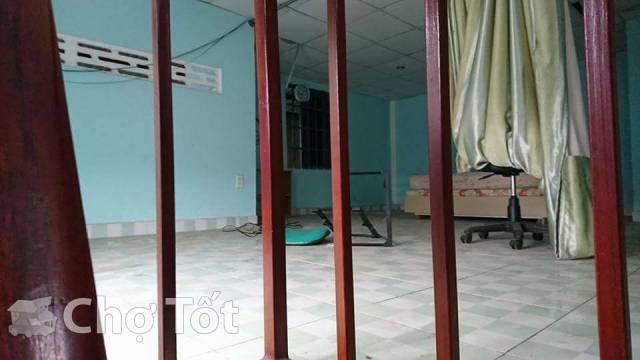 lầu trong nhà nguyên căn gần làng đại học